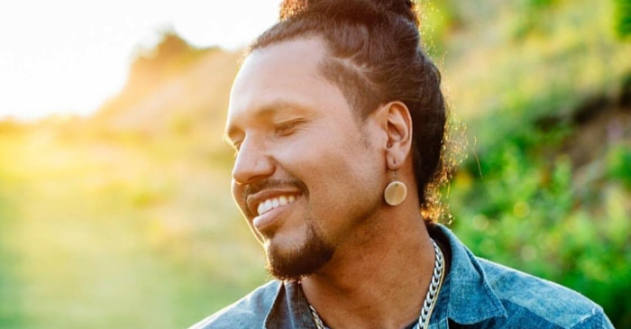 "Gyasi Ross Shares The True Meaning Of Columbus Day With ""Petaki"" 